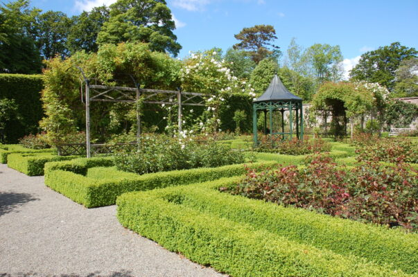 2021 IGS Garden Interviews: PART 1 (A history of Irish country house gardens with Robert O'Byrne)