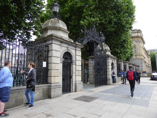 South East Highlight – Dawson St, Molesworth St, and Kildare St with Dublin Decoded