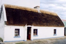 Mullanes' Thatched Cottage